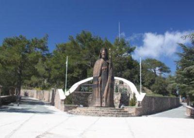 La statue de Makarios